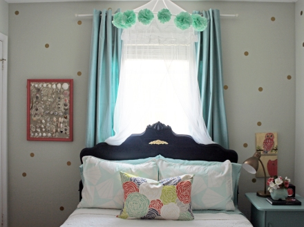 A Patterned Girls Bedroom | www.emilywignalldesign.com