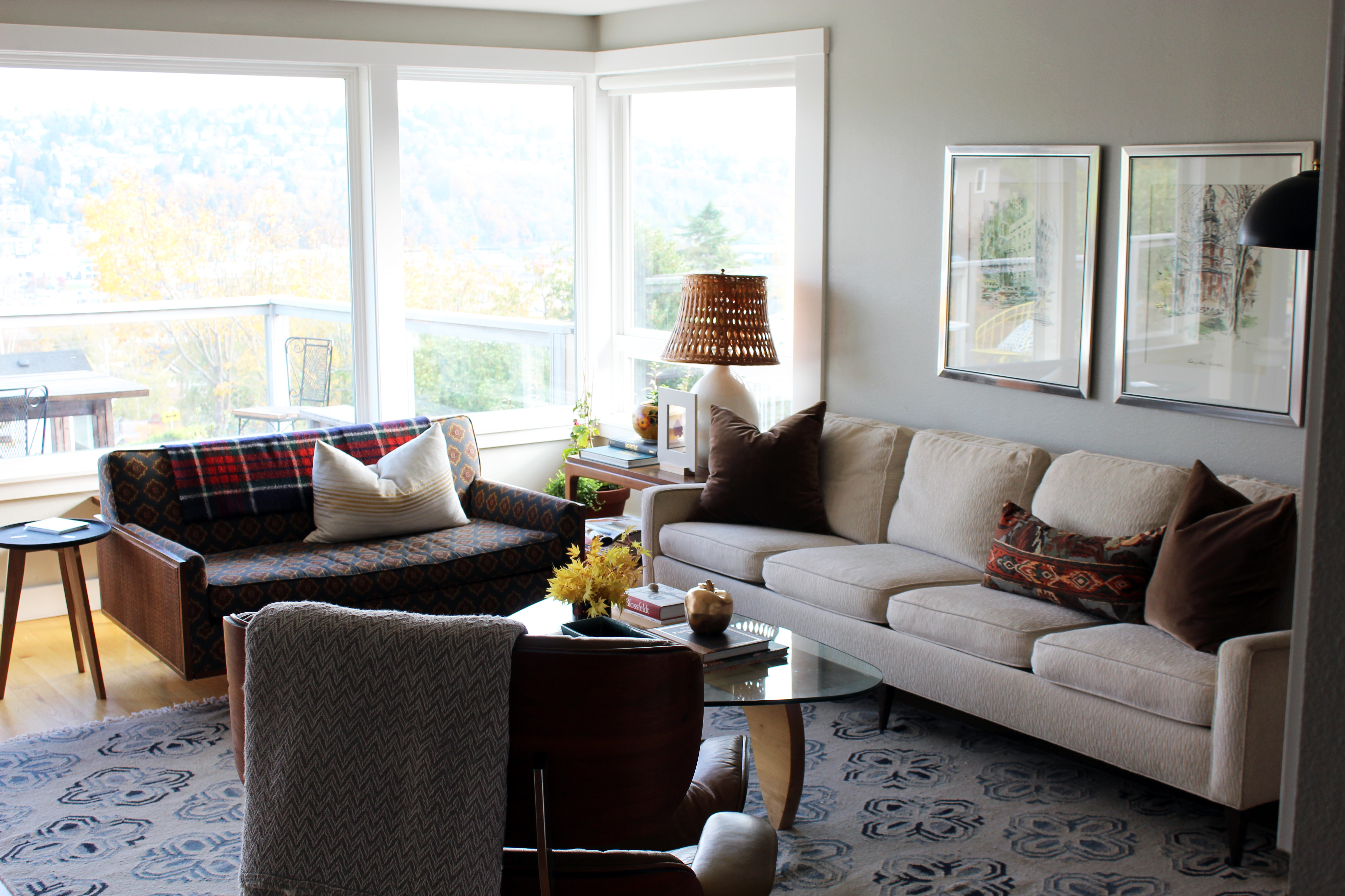 Fall living room details the anatomy of design for Fall colors living room ideas